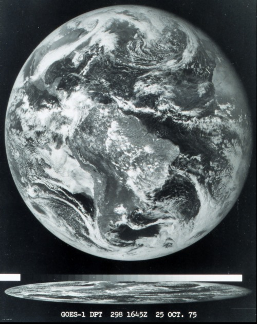crookedindifference:  The first image obtained from a GOES satellite (1975, October 25 16:45GMT)