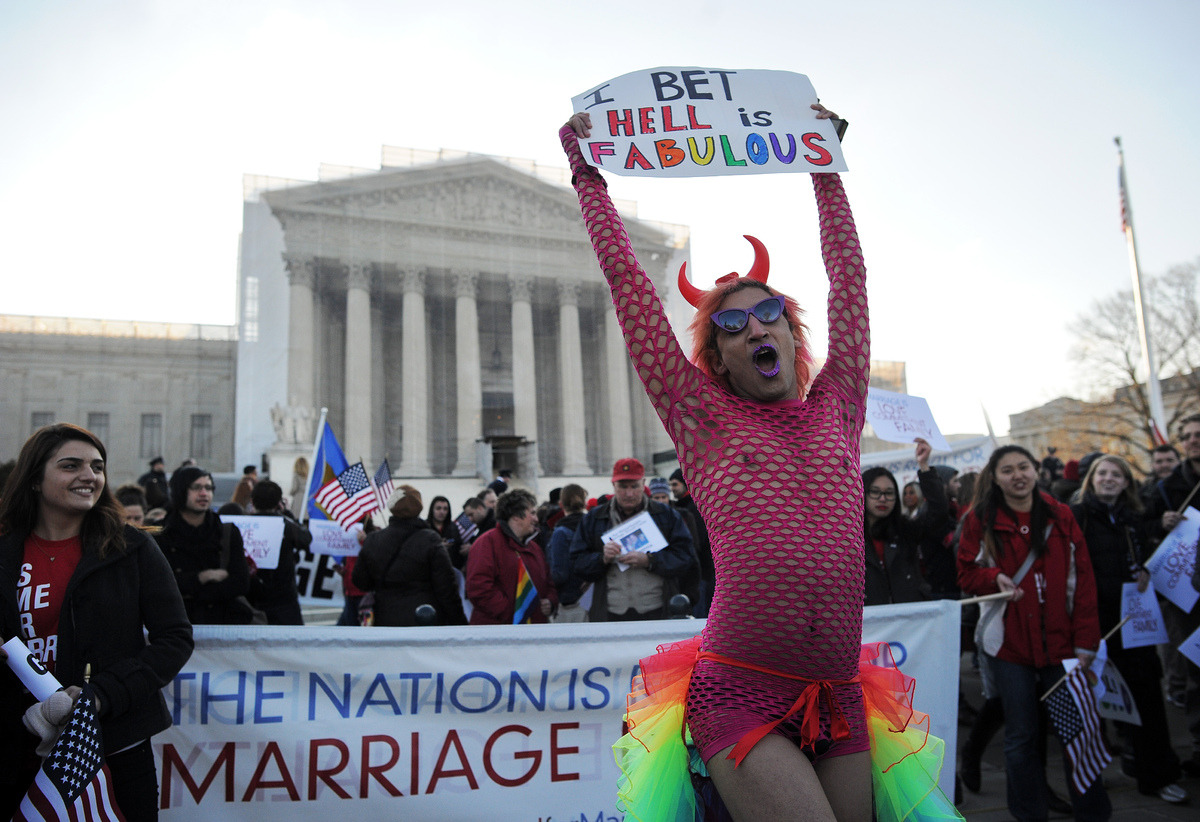 zooeydeschannoying:  behold, the reason gay marriage isn't nationally recognized