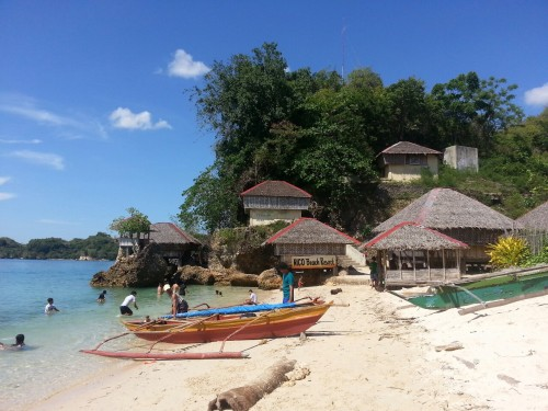 asean2015:  ASEAN CommunityCottages on the white beach, Guimaras, Philippines