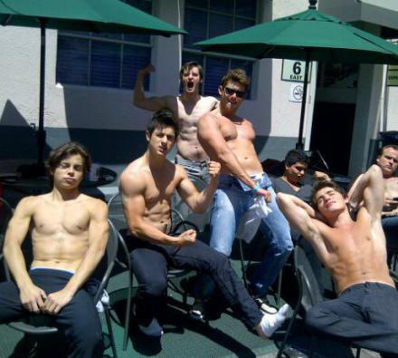qodessly:  chi-c:  kashief:  genies:  wizards of waverly place cast omfgksjhjskah   W h a t  DUDE MAX WHAT  oh my god