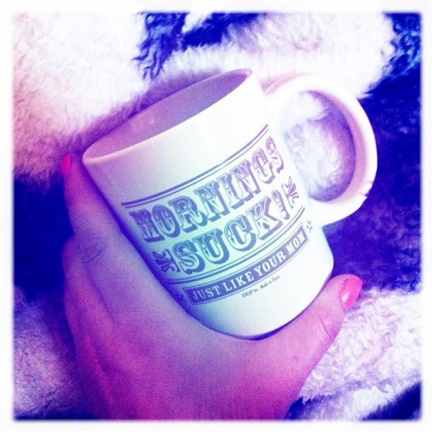 cherryverns:  It's a #coffee kinda morning. #hipstamatic #robolens #morningssuck #coffemug #favorite #filter