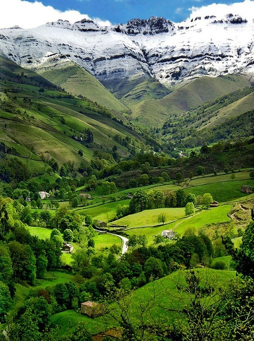 Valle del Pisueña, Cantabria, Spain photo via besttravelphotos