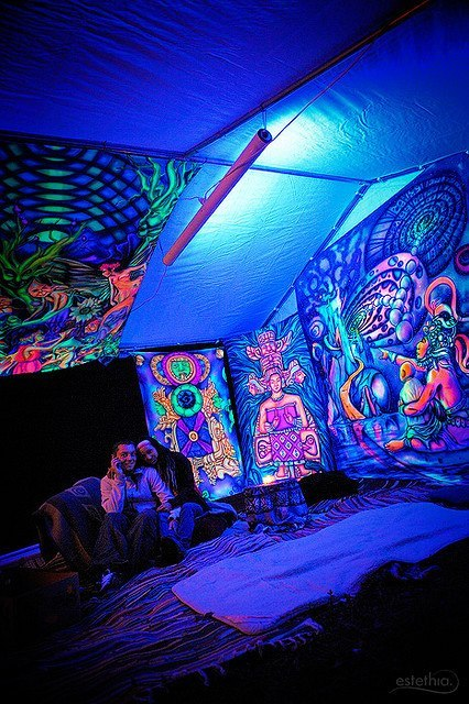 sketamine:  wild-soulchild:  acid-driip:  welcome to the trip tent   rad as hell!  sick!!