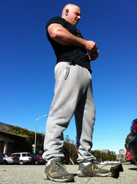 bullgrunt:  realmenstink:  GOTTA LOVE COMMANDO IN SWEATS !!!  Dirty musky sweats even better