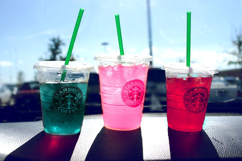 turquoiseblueraindrops:  (1) candy | Tumblr on We Heart It. http://weheartit.com/entry/61004843/via/AstridHoney