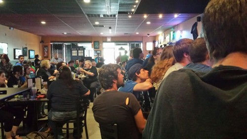 thesummersphoenix:  A bar of people watching the premiere. My people.