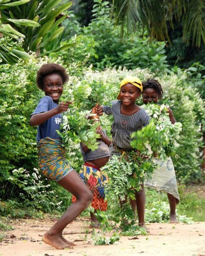 Yes. howiviewafrica:  Happiness in Congo. Photo by: ange_du_desert