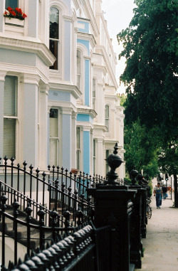 21vines:  notting hill street (by bendisdonc)