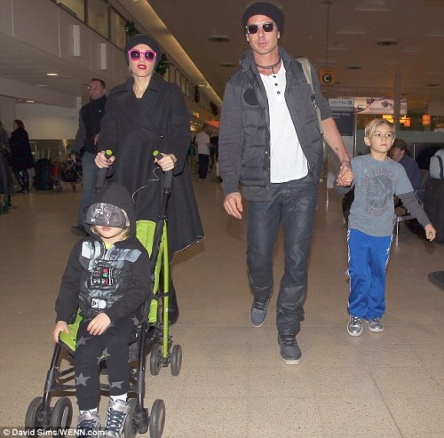 Gwen Stefani and her family arrive at the Heathrow airport, 4th January 2013.