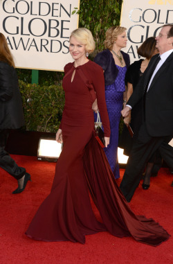 before-it-goes-away:  Naomi Watts at the Golden Globes