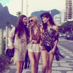 summer girls sur @weheartit.com - http://whrt.it/Z4nSFe