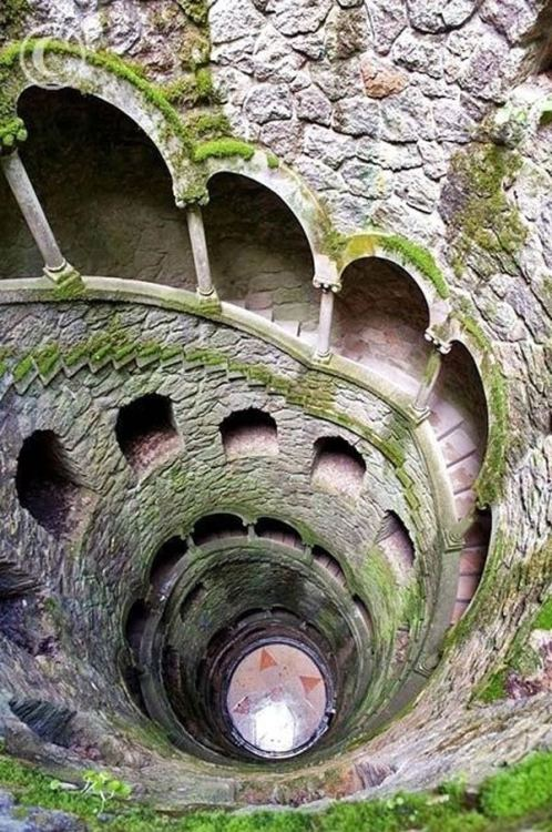 The Initiation Well (Sintra, Portugal) [photographer unattributed by source]