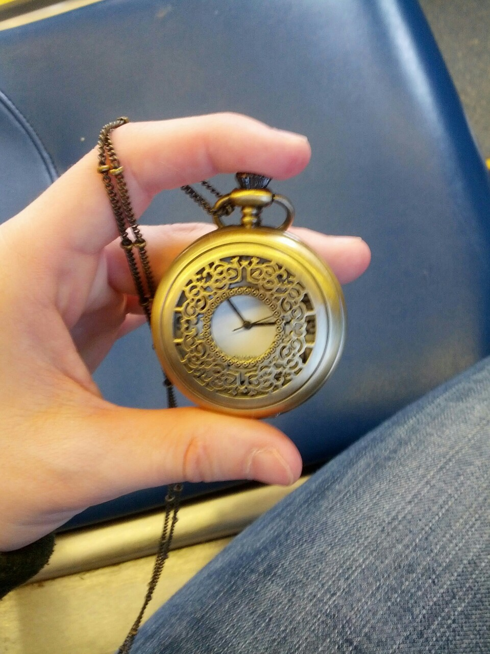 satdeshret:  What's that? I got a fucking pocket watch  Kick ass.