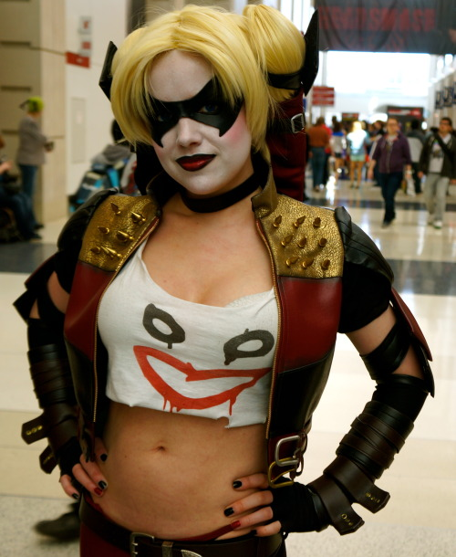 eyeseeeverything:  Sexy Harley Quinn  SOMEONE TELL ME WHO THIS IS SO I CAN HUG THEM. THIS COSTUME IS PERFECT.