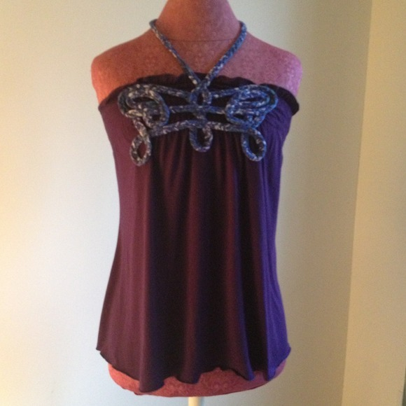 I just added this to my closet on Poshmark: Nina & Sue Halter Top. (http://bit.ly/16F10PM) #poshmark #fashion #shopping #shopmycloset
