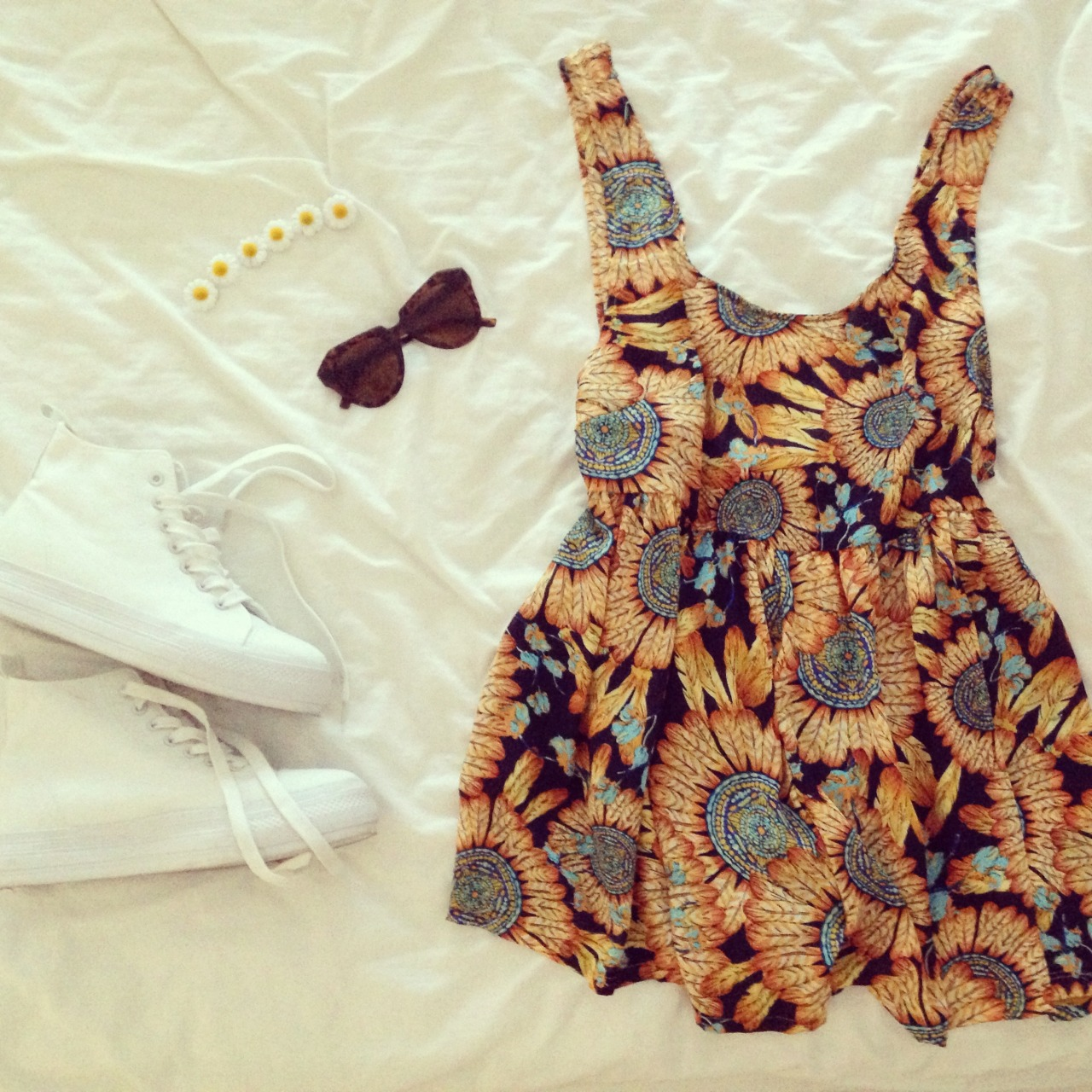 pinaepple:  love this dress so mooooch