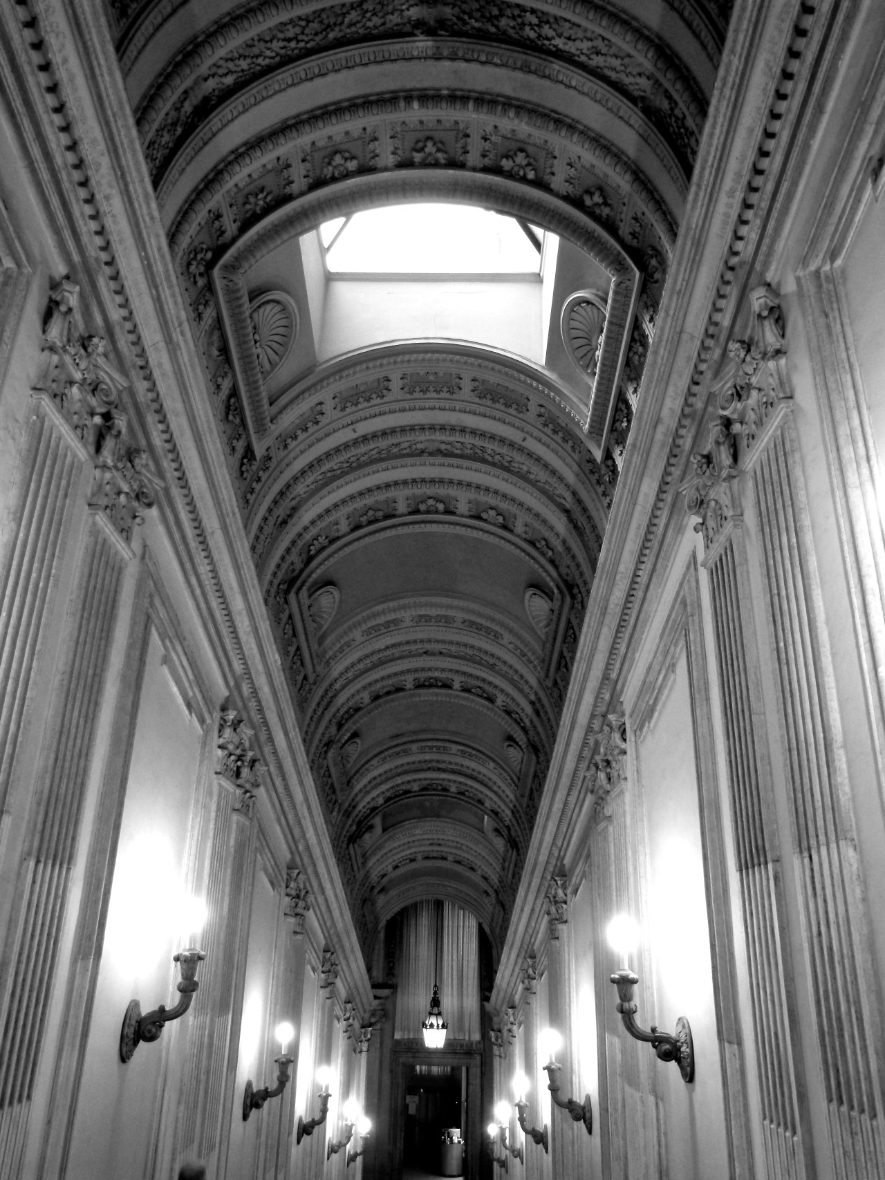 16.01.2013: An empty corridor leading towards the Basilica, in the Vatican Museum.