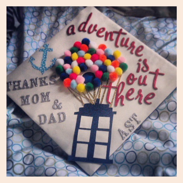 twistofsunshine:  Cap's all ready! Bye undergrad.