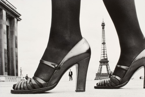 Frank Horvat - Shoe and Eiffel tower, Paris, 1979