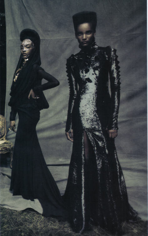fuckyeahjourdandunn:  saloandseverine: Vogue Italia September 2009, A Dream of a Dress Rose Cordero & Jourdan Dunn in Givenchy HC by Paolo Roversi