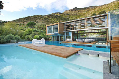 Spa House in the South African mountainside