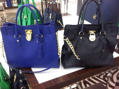 Can't decide which one of these Michael Kors Hamilton Tote I should buy. I love both colors! Which one do you all like more? Blue or Black?