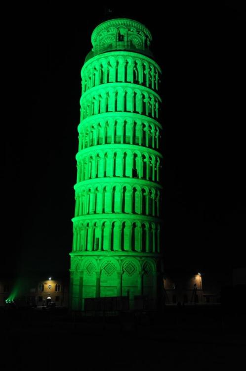 """The world-famous Leaning Tower of Pisa will turn green for the second time on Saturday 16 March, the eve of St Patrick's Day, as part of Tourism Ireland's 2013 global greening initiative,"" says Tuscany at Heart, one of my favorite Italian blogs in English.   ""The lights will be switched on at 9.00pm."""
