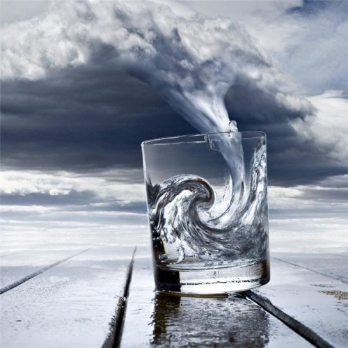 coffeenuts:  Tornade Verre Photo Credit: (Uli Staiger)