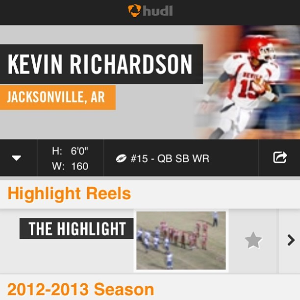 Can y'all go check out my highlight on Hudl? I would greatly appreciate it, comment why you think after! 😁 The links in my bio!! 🏈🏈🏈