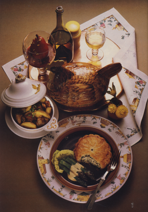 bonappetit:  Brunching à la 1983.   Looks familiar.  Pretty sure we had that chicken…
