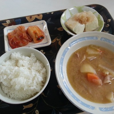 #lunch #japanesefood boiled #tofu with daikon and ponzu, #kimchi , and  #tonjiru    #dietdietdinpagmaytime.