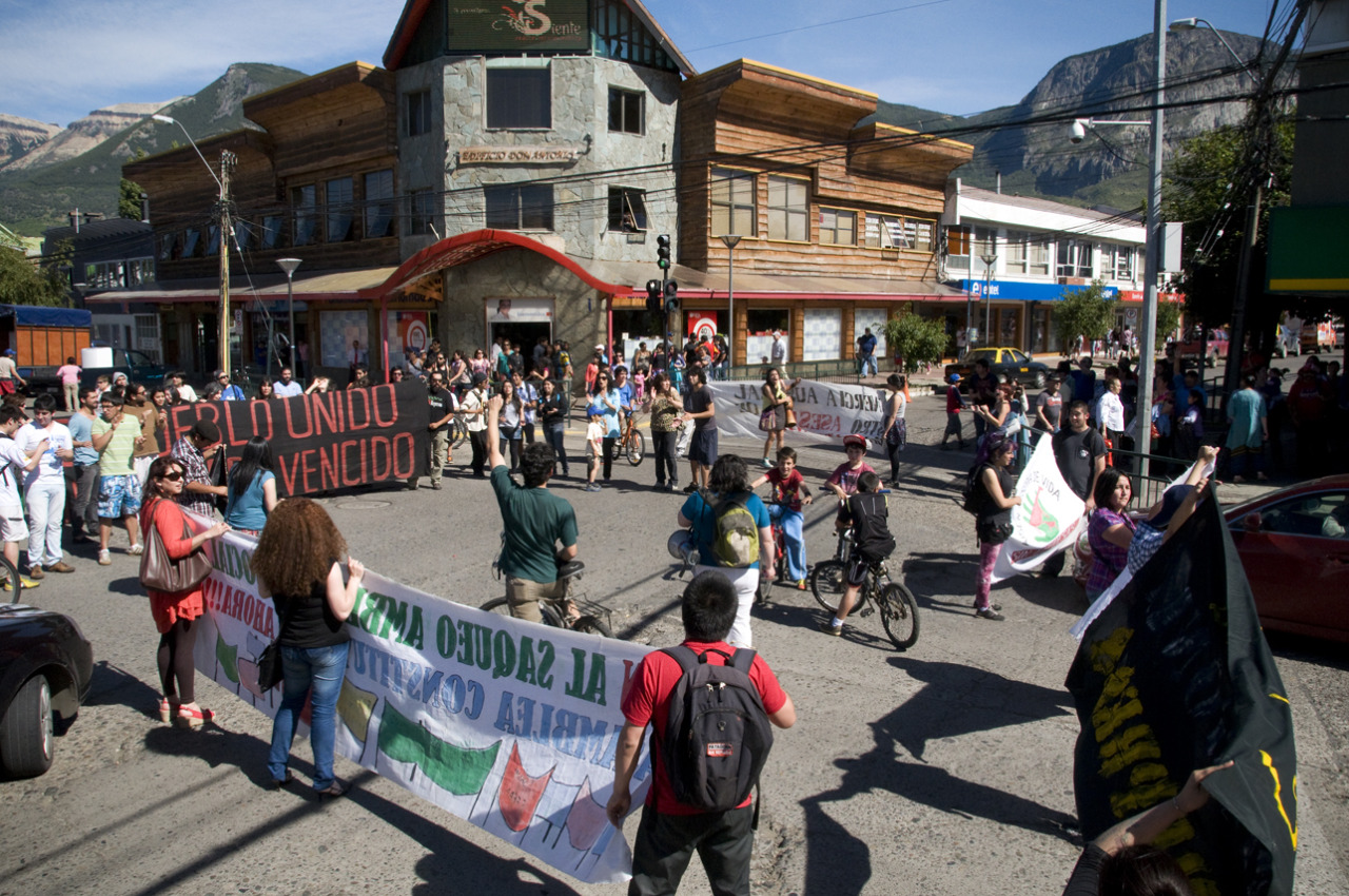 Demonstration against new dams in Patagonia / Manifestación contra represas en Patagonia Chilena Coyhaique, Chile - © Diego Cupolo 2013
