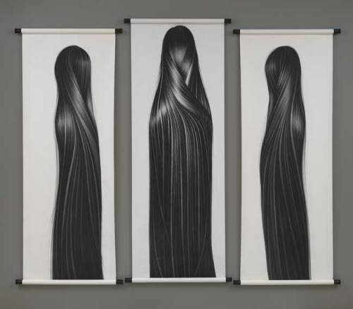 Three Graces triptych (Bo, Ling, and Hong Zhang) by Zhang Chun Hong (via National Portrait Gallery)
