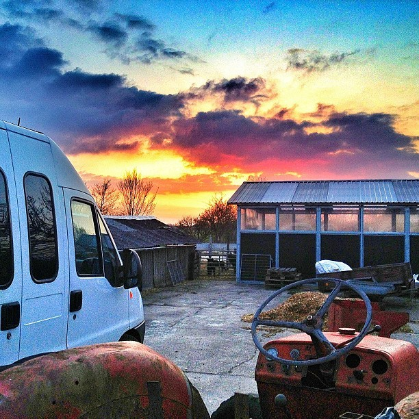 Amazing night at The Bunker! #mercenaryhq #sunset #clouds #cloudporn #amazing #instanature #instasunset #myworld #colors #beautiful #iphoned #iphonesia #iphonography #photooftheday #bestoftheday