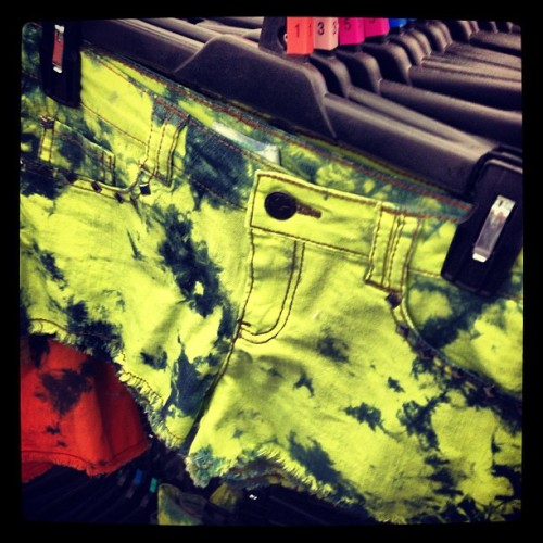 @stylesip: Sooo many new #DreamOutLoud #shorts in stock! And they're on #sale!!
