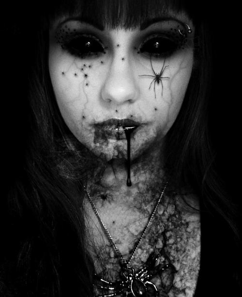 mysteriouskid:  Spooky Spider Girl