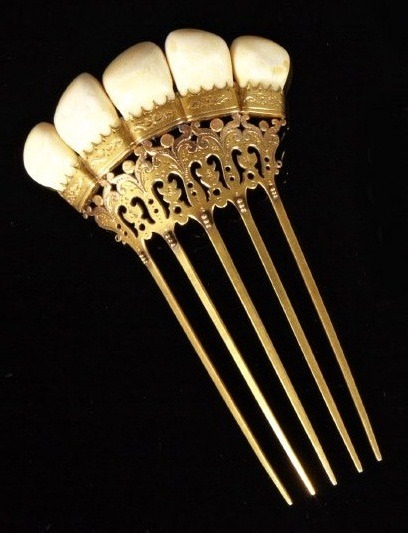 highvictoriana:  English Etched Gold-Filled Victorian Hair Ornament, late 19th century, forming a crown of mounted elk's teeth, with inscribed name on back.