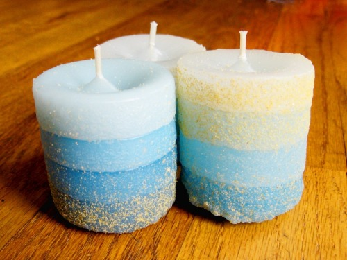 howdidyoumakethis:  Sand Cast Candles - how to make your own candle molds from sand.
