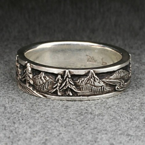 mapofnowhere:  I want this *_* Reminds me of The Hobbit  MIO