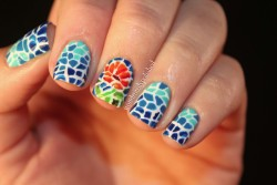 ohwondrous:  Mosaic nails! Happiness on my fingers!