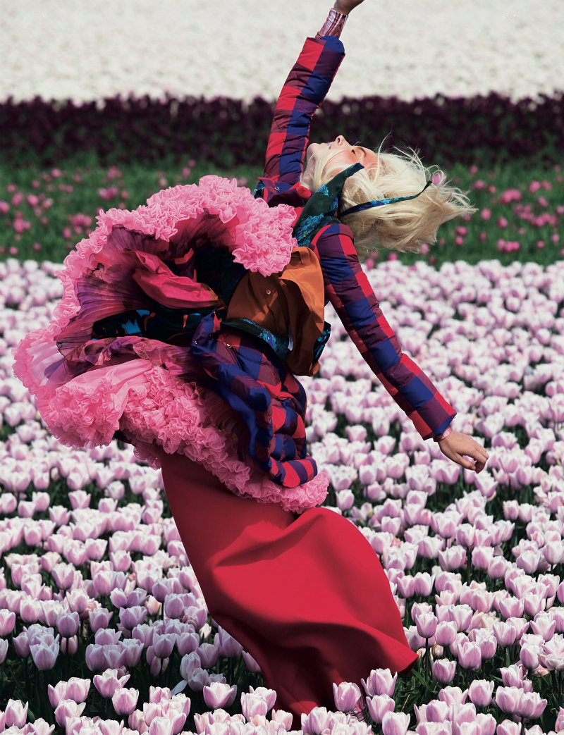 unviel:  In Bloom. Lisanne de Jong photographed by Viviane Sassen for Dazed & Confused, July 2011