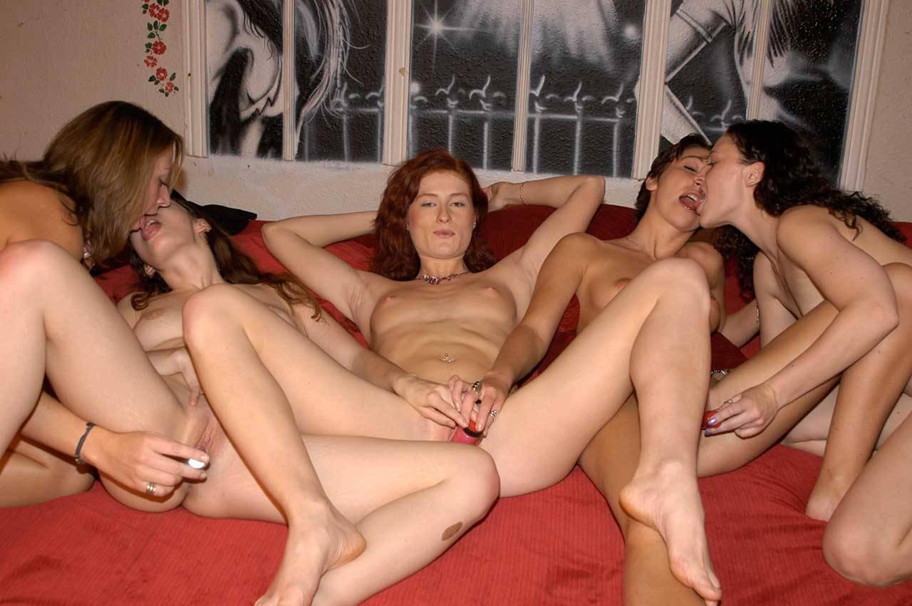 porno-vecherinki-foto-lesbiyanok