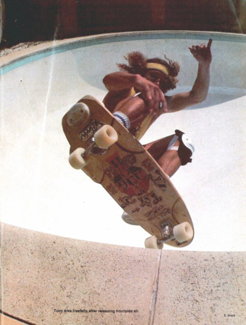 hen-10:  Tony Alva fucking shreds