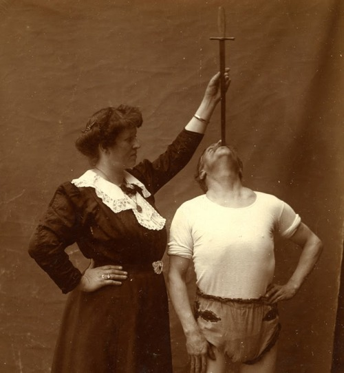 sisterwolf:  Sword swallower, c 1890