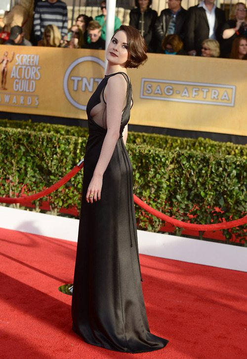 Michelle Dockery (in vintage Ralphh Rucci) at the SAG Awards, January 27th DANGGIRL!
