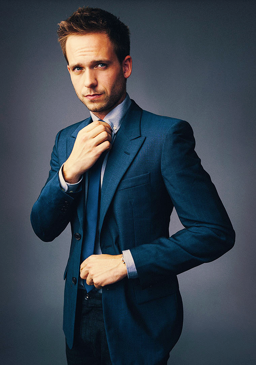justyouraveragestudent:  That is a very well tailored suit.