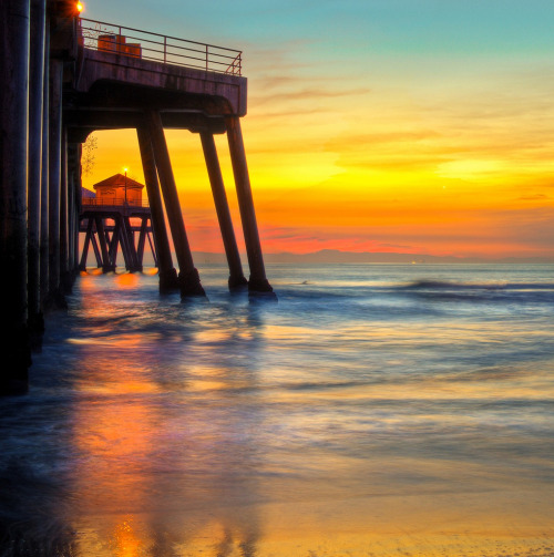 landscapelifescape:  Huntington Beach, California, USA You have stolen my heart (by meeyak)