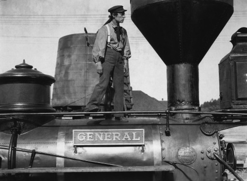 "lottereinigerforever:  Buster Keaton in ""The General"""
