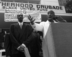 hiphopfightsback:  Snoop Dogg & Tupac illistrate the point that real mutha fuckin' G's give back to the community.