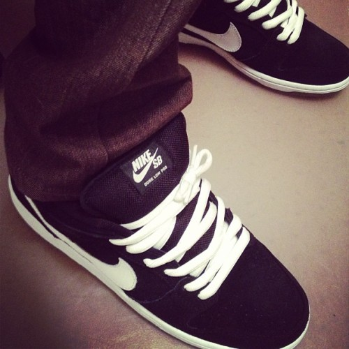If you don't own a pair of black and whites then you're doing it wrong. #kicksoftheday #kotd #sneakerhead #nike #sb #nsborg #dunk #lows